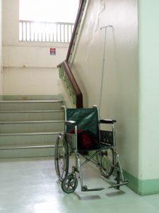 מעלון מדרגות לבתי ספר